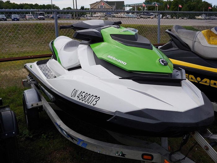 2014 Sea-Doo GTI 130 Photo 2 of 4