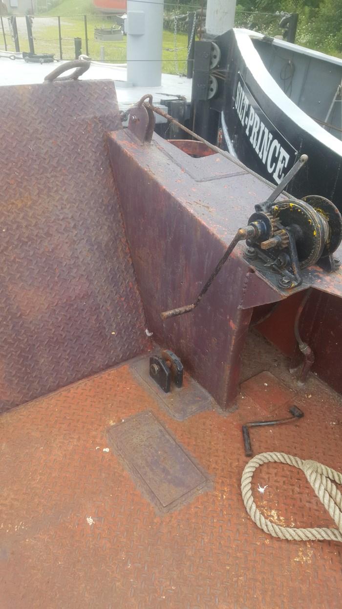 1995 1995 30′ x 10'3″ Steel Landing Craft 6 cyl Diesel w/ Azipod Photo 9 sur 15