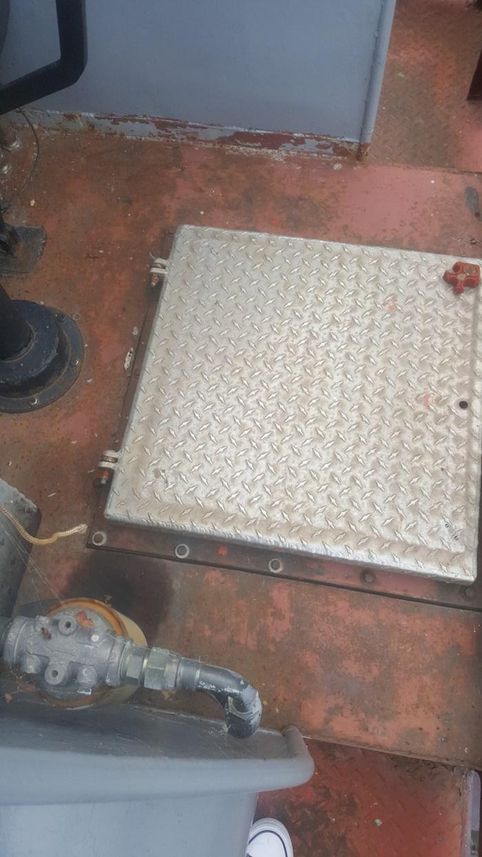 1995 1995 30′ x 10'3″ Steel Landing Craft 6 cyl Diesel w/ Azipod Photo 11 sur 15