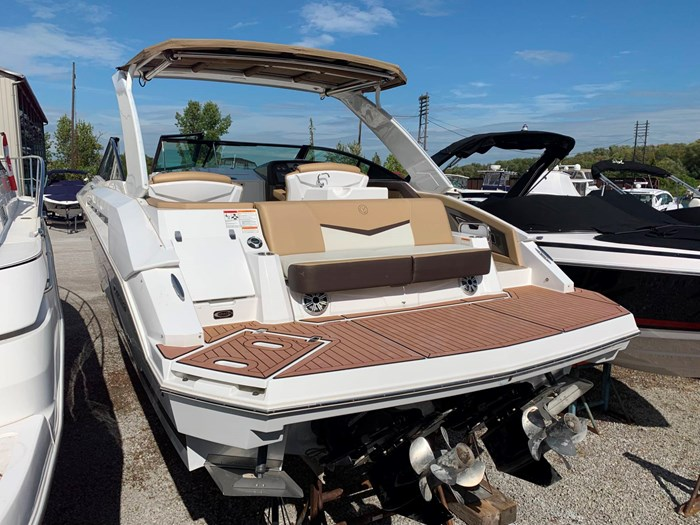 2016 Cruisers Yachts 328/338 SS Photo 5 sur 34