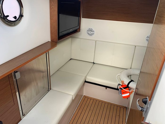 2016 Cruisers Yachts 328/338 SS Photo 23 sur 34