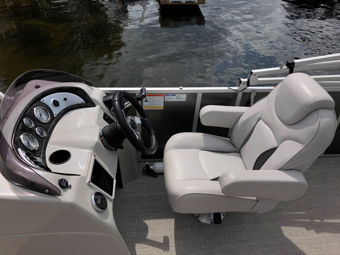 2018 SunCatcher Pontoons by G3 Boats 322 FC Photo 8 sur 9
