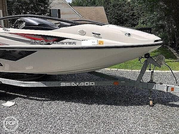 2010 Sea-Doo Speedster 200 Photo 2 sur 21