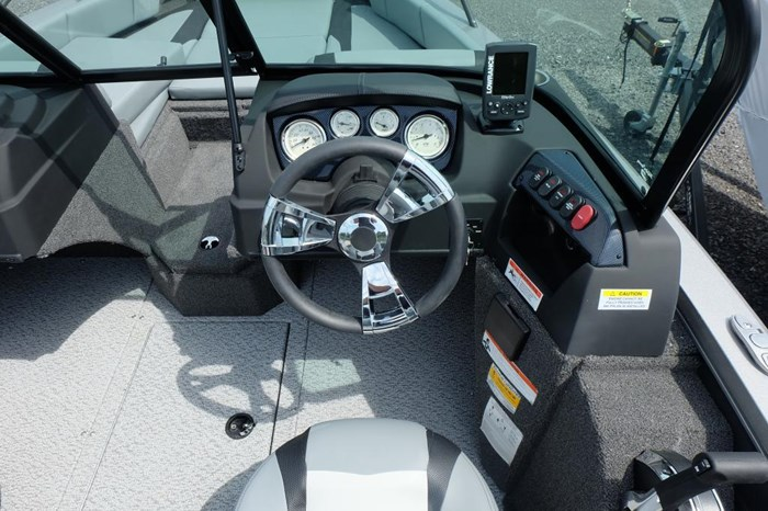2019 Lowe FS 1700 Merc 115HP Trailer Fish Finder Stereo Photo 6 of 28