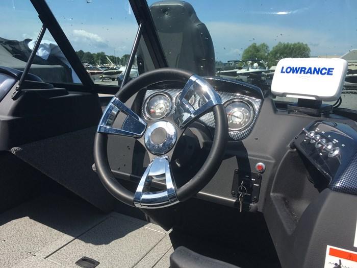 2020 Lowe Fm 1675 60 HP 4 Stroke Trolling Motor Trailer Photo 18 sur 22