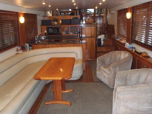 2010 Navigator Californian LRC Photo 14 of 44