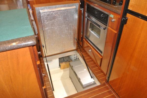 2010 Navigator Californian LRC Photo 20 of 44