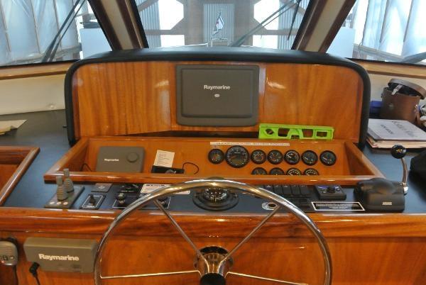 2010 Navigator Californian LRC Photo 23 of 44