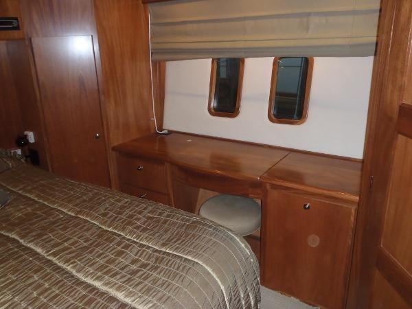 2010 Navigator Californian LRC Photo 27 of 44