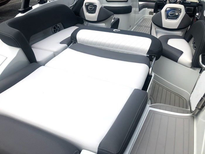2020 Crownline E235 Surf Photo 21 of 26