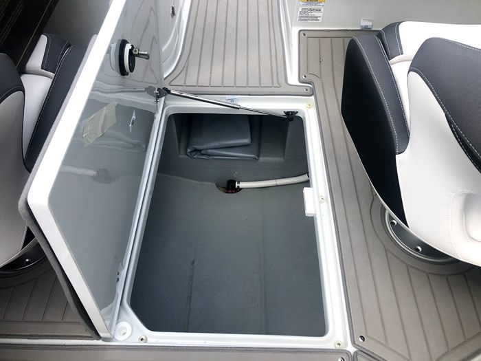 2020 Crownline E235 Surf Photo 23 of 26