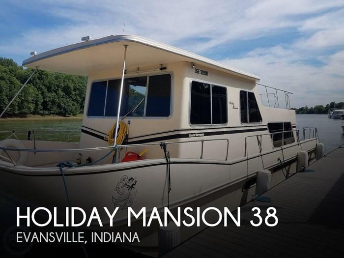 1988 Holiday Mansion Coastal Barracuda 38 Photo 1 of 17