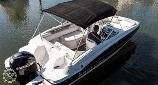 2016 Bayliner 190 Deckboat Photo 3 sur 20
