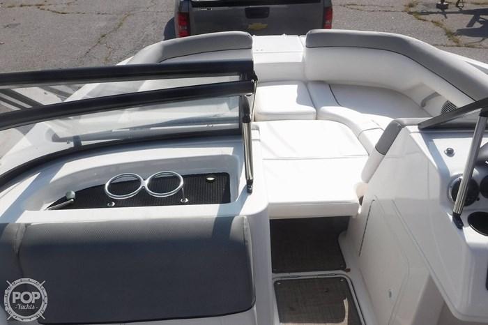 2016 Bayliner 190 Deckboat Photo 10 sur 20