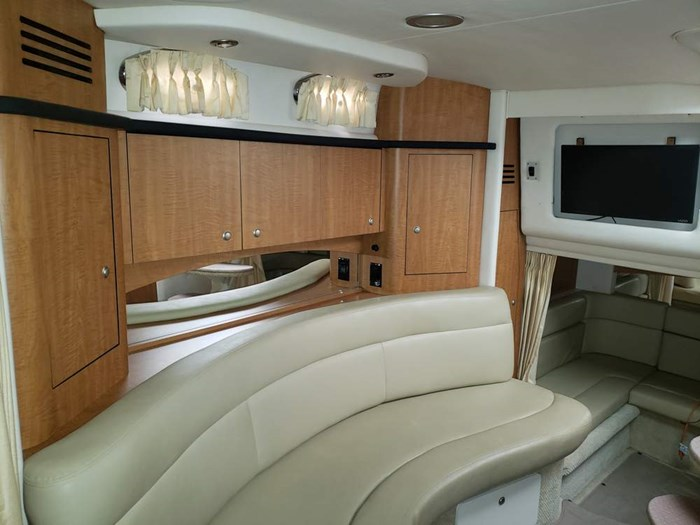 2006 Sea Ray 320 Sundancer Photo 18 of 34