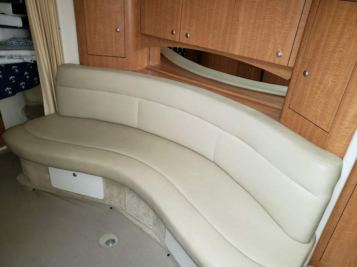 2006 Sea Ray 320 Sundancer Photo 19 of 34