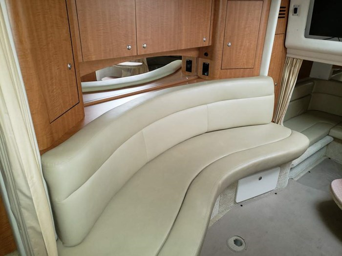 2006 Sea Ray 320 Sundancer Photo 20 of 34