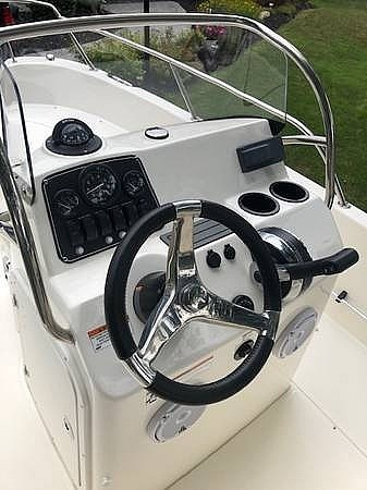 2018 Boston Whaler 170 Dauntless Photo 8 sur 15