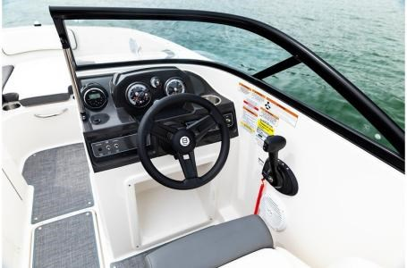 2019 Bayliner VR4 Bowrider Photo 34 sur 36