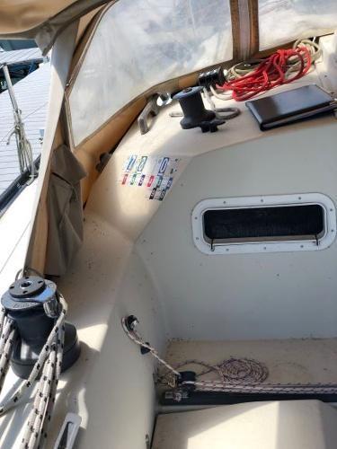 1983 Mirage Yachts 33 Photo 11 sur 59