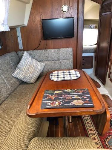 1983 Mirage Yachts 33 Photo 32 sur 59