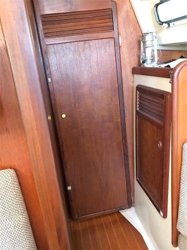 1983 Mirage Yachts 33 Photo 53 sur 59