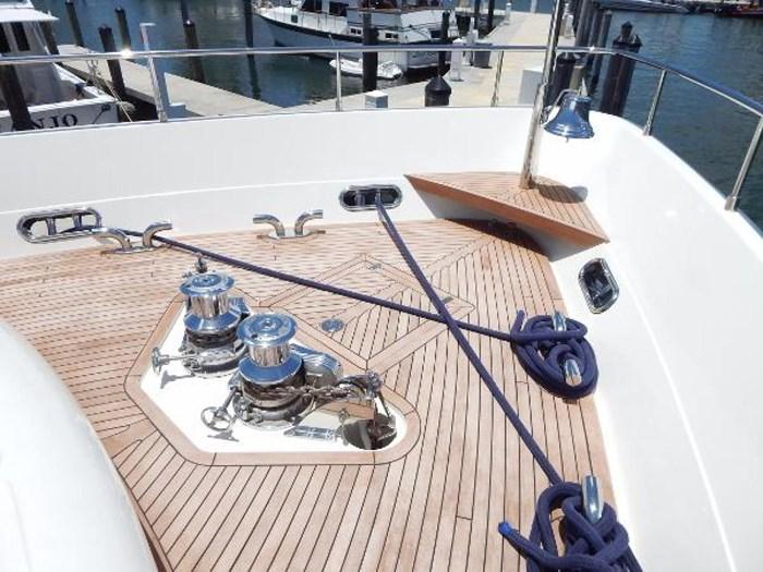 2004 Ferretti Yachts Custom Line 94 Photo 9 of 41