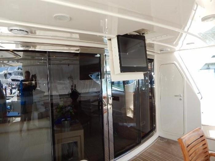 2004 Ferretti Yachts Custom Line 94 Photo 13 of 41