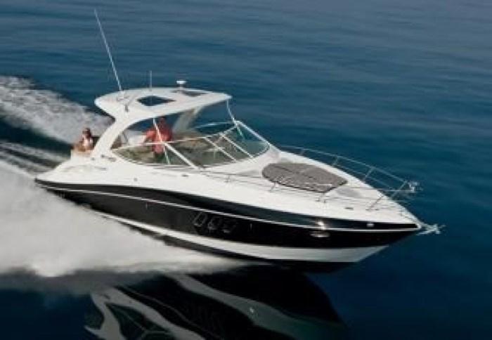 2014 Cruisers Yachts 350 Express Photo 7 of 24