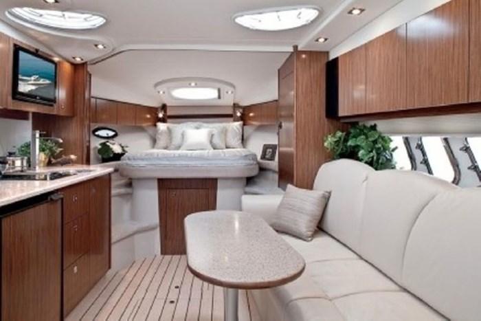 2014 Cruisers Yachts 350 Express Photo 12 of 24