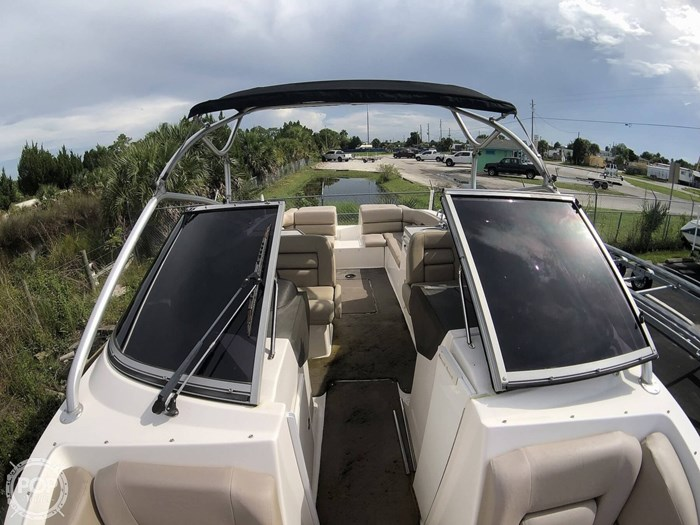 2007 Regal 2700 ES Bowrider Photo 9 sur 20