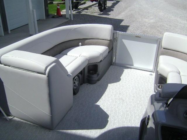 2020 Avalon 2085 LSZ Cruise Photo 5 of 10