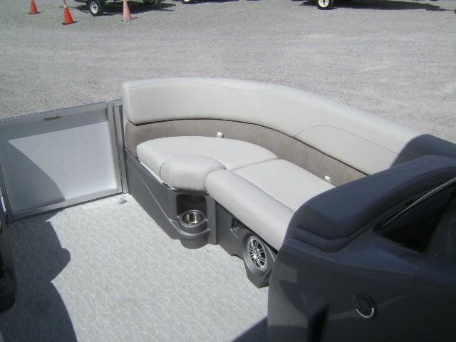 2020 Avalon 2085 LSZ Cruise Photo 6 of 10