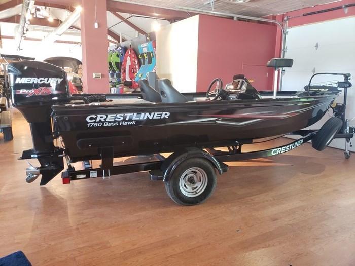 2018 Crestliner 1750 Bass Hawk Photo 2 sur 8