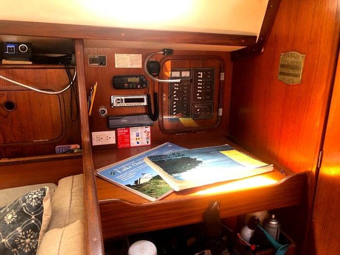 1985 Beneteau Idylle 10.5 Photo 12 of 24