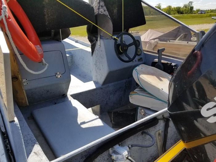 2007 Lake Winnipeg Boat Works FIberglass Yale Photo 5 of 7