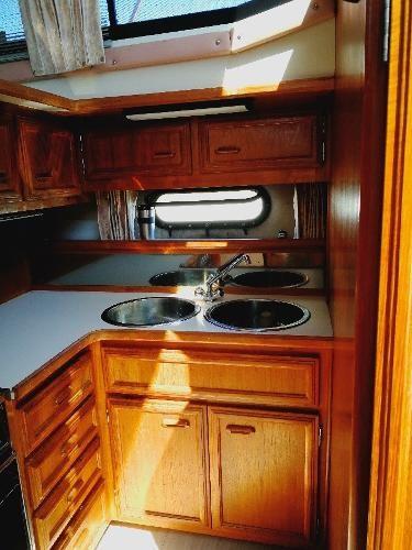 1989 Carver 3807 Aft Cabin Photo 23 sur 49