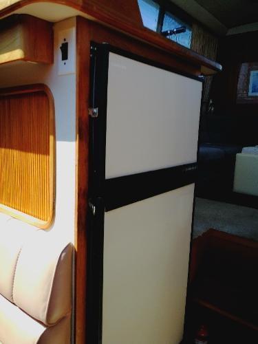 1989 Carver 3807 Aft Cabin Photo 24 sur 49