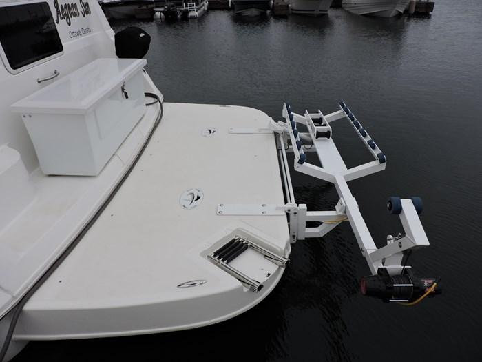 1997 Cruisers Yachts 3650 Motor Yacht Photo 10 of 74