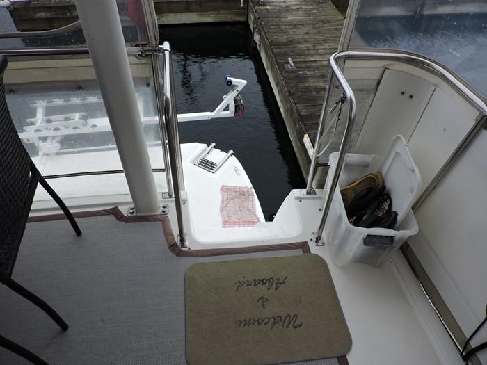 1997 Cruisers Yachts 3650 Motor Yacht Photo 16 of 74