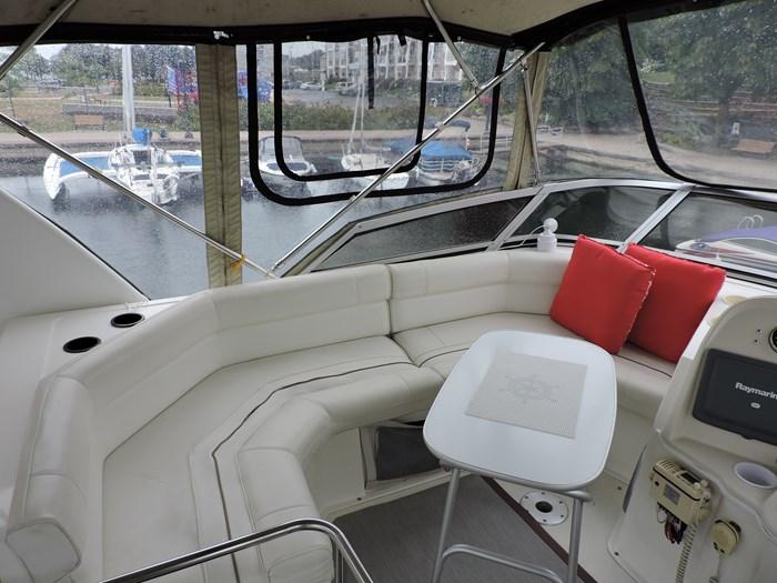 1997 Cruisers Yachts 3650 Motor Yacht Photo 20 of 74