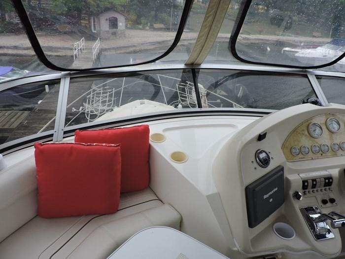 1997 Cruisers Yachts 3650 Motor Yacht Photo 22 of 74