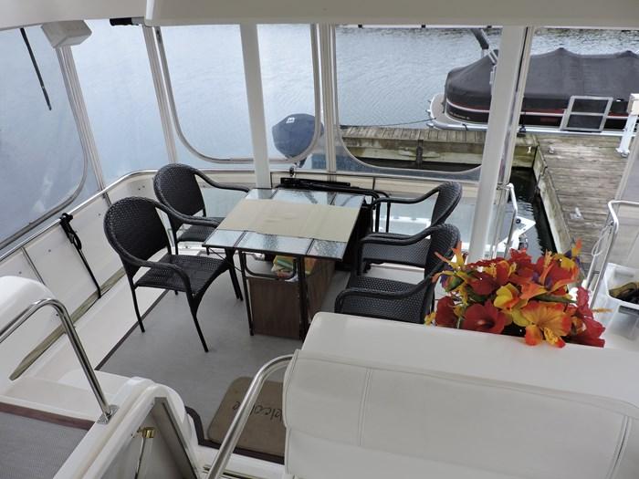1997 Cruisers Yachts 3650 Motor Yacht Photo 25 of 74