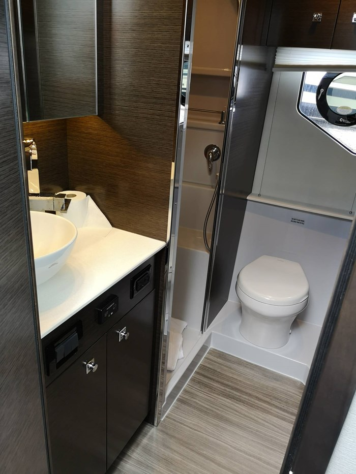2019 Cruisers Yachts 42 Cantius Photo 10 sur 20