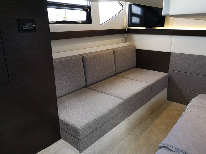 2019 Cruisers Yachts 42 Cantius Photo 12 sur 20