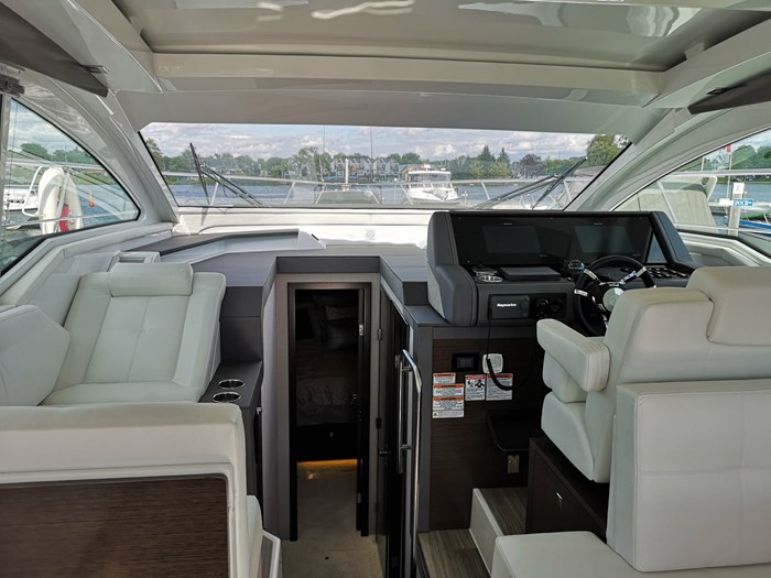 2019 Cruisers Yachts 42 Cantius Photo 13 sur 20