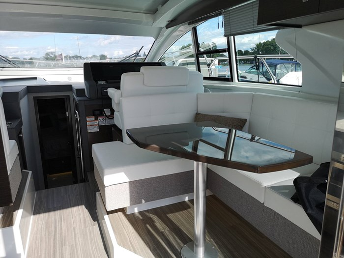 2019 Cruisers Yachts 42 Cantius Photo 14 sur 20