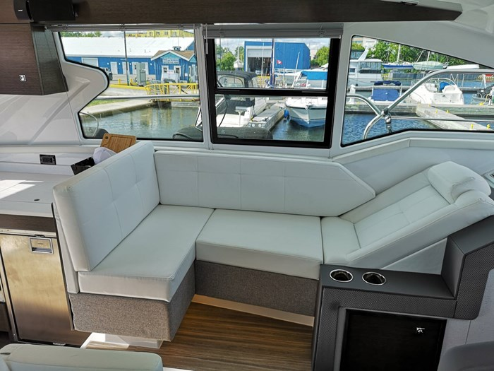 2019 Cruisers Yachts 42 Cantius Photo 16 sur 20