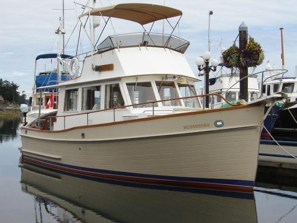 Grand Banks 32 Sedan 1986 Used Boat for Sale in Port Sidney, British  Columbia - BoatDealers ca