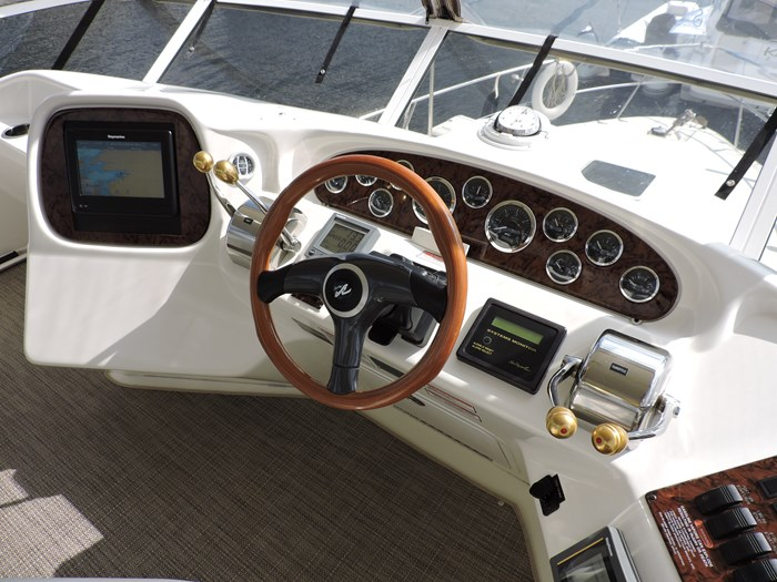2000 Sea Ray 380 Aft Cabin Photo 19 sur 89
